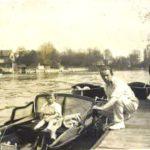 Evelyn con su padre, el Dr. Edward Bach, en el Támesis. Foto tomada por Kitty (madre de Evelyn).